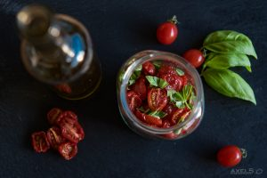 getrocknete Tomaten im Glas
