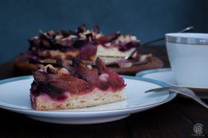 ein Stück Pflaumenkuchen / Zwetschgenkuchen