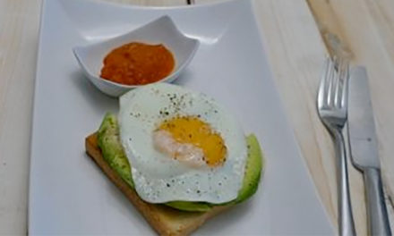 Avocado Spiegelei Toast