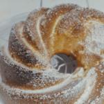 Leichter Vanille-Gugelhupf