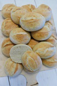 Weizenbrötchen gebacken