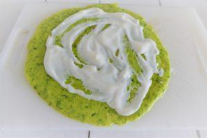 Bärlauchpfannkuchen mit saure Sahne