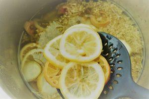 Holunderblütensirup Zitronen raus