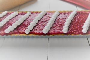 rhabarbertarte gebacken mit Baiser