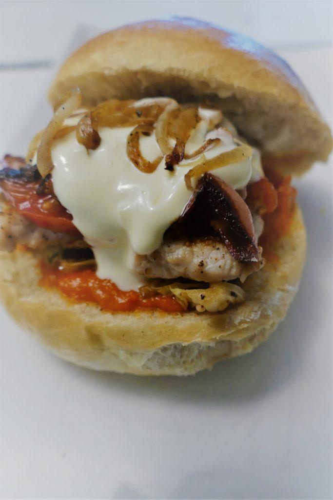 Burger mit Brioche Buns Burger