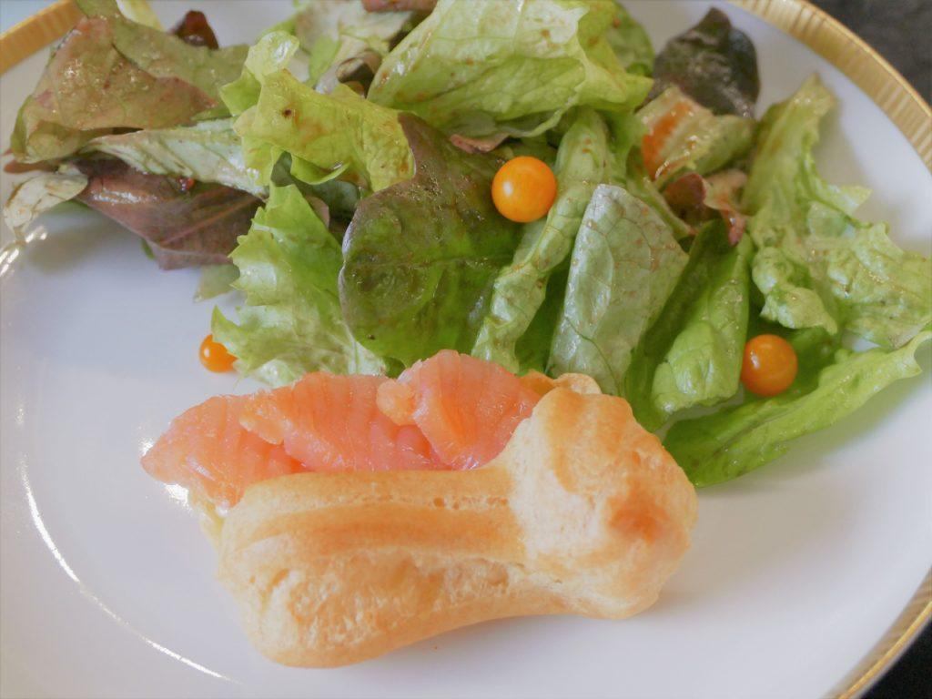 Brandteig und Salat