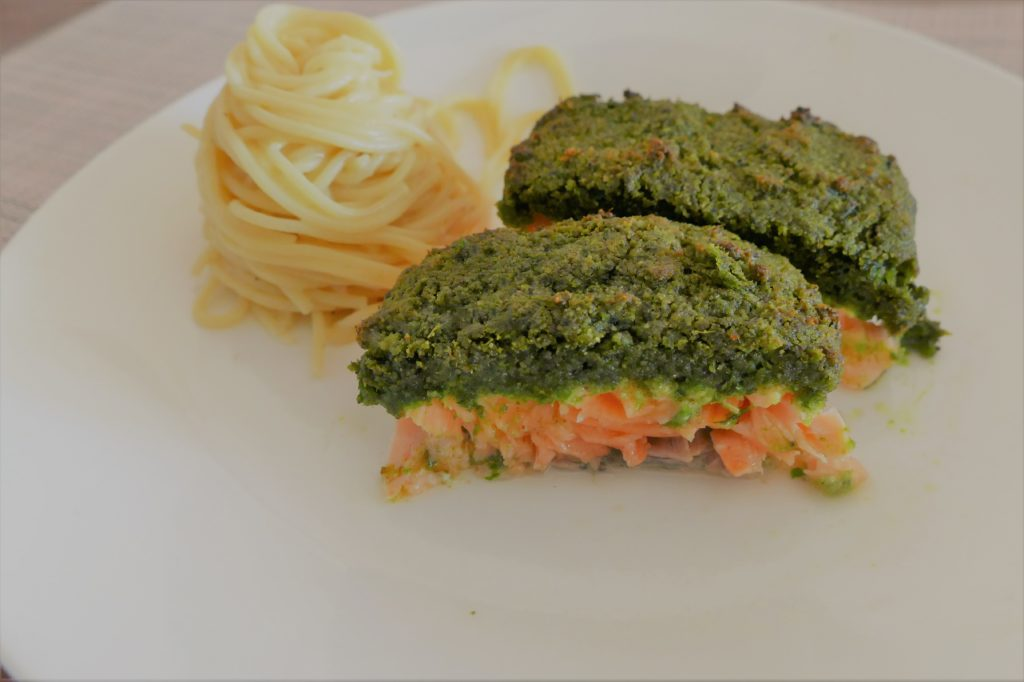 Lachs in Bärlauchkruste backen