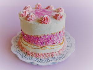 pinker Geburtstagskuchen