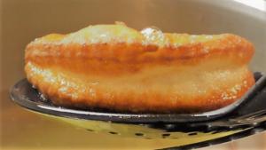 frisch gebackenes Schmalzgebäck