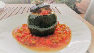 gefüllte Zucchini rund