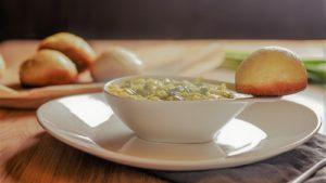 einfache vegane Lauch Kartoffelsuppe