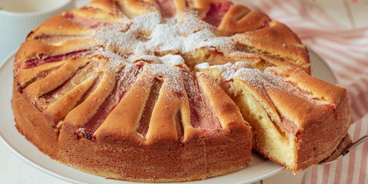 versunkener Rhabarberkuchen